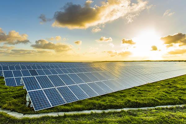 zonnepanelen zinkwit